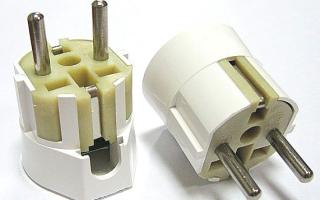 Как поменять электрическую вилку