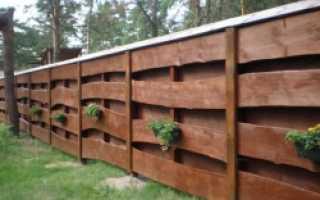 Забор и необрезной доски