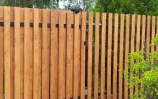 Как самостоятельно сделать деревянный забор из лиственницы своими руками